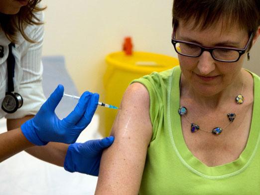 Nature:埃博拉疫苗通过一期人体试验