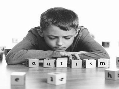 婴儿大脑活动关乎自闭症差异