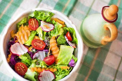 PNAS:低糖饮食能够延缓眼部衰老疾病的发生